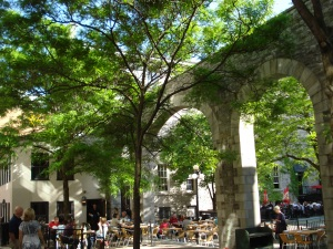 Outside dining in Ottawa during the summer