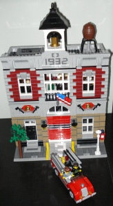 Vintage fire hall by Lego